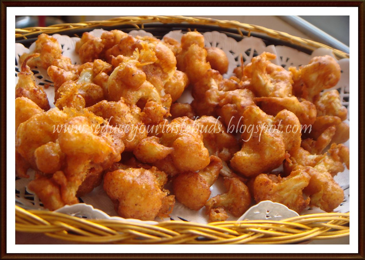 Seduce Your Tastebuds...: Spicy Cauliflower Fry