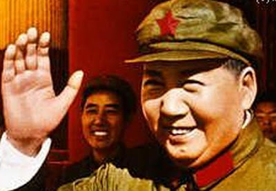 Into the hands of MAO ZEDONG - architect of modern China! Mao-tse-tung-at_Tian_An_MenT