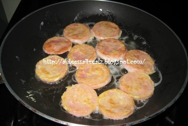In a frying pan i add olive oil and fry both side of the for How to fry fish with egg and flour