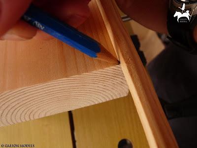 Marcado del segundo corte de la moldura