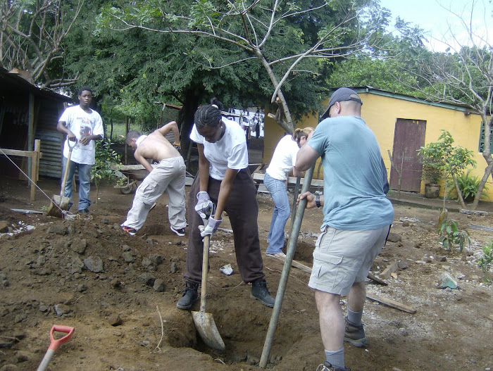 ENCHS Students Build Houses in Nicaragua, November 2007