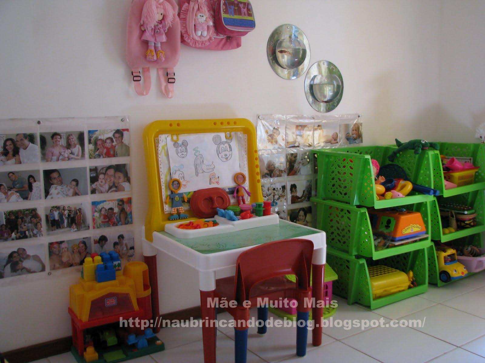 Quarto Montessoriano Futon Redival Com ~ Quarto Montessoriano Espelho E Quarto Feminino Vermelho