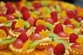 FRESH FRUITS TART (RM40 FOR 25PCS)