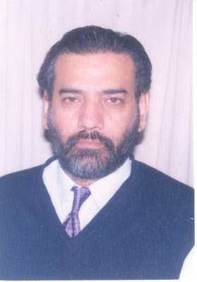 Chief Controller of Karachi Buliding Control Authority Arch. Manzoor Qadir obtained his B.Arch degree in the year 1987 from Mehran University of Engineering ... - ManzoorQadir