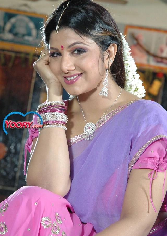 check my wallpaper rambha navel