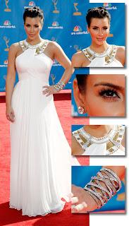 Kim Kardashian com vestido vestido by Marchesa Emmy Awards 2010!