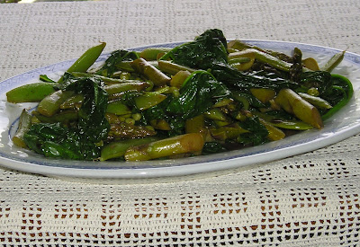Early Summer Vegetable Medley of Spinach, Asparagus and Peas
