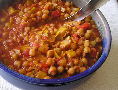 Garbanzos Deliciosos - Chickpeas with leeks in a tomato-paprika sauce
