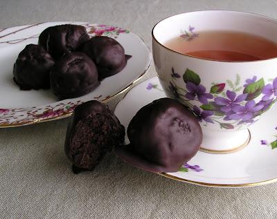 Rumballs with Tea
