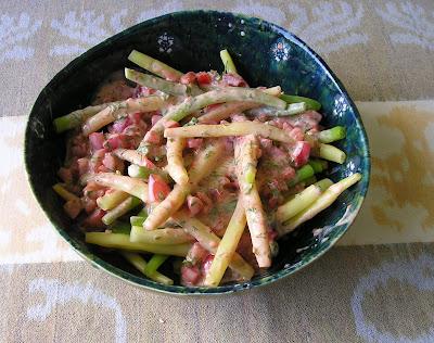 Green Beans in Tomato Yogurt Dressing