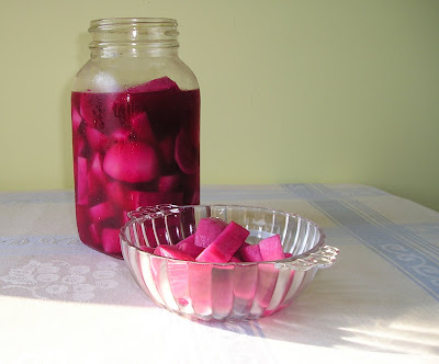 Middle Eastern Pickled Turnips (Torshi Lift)