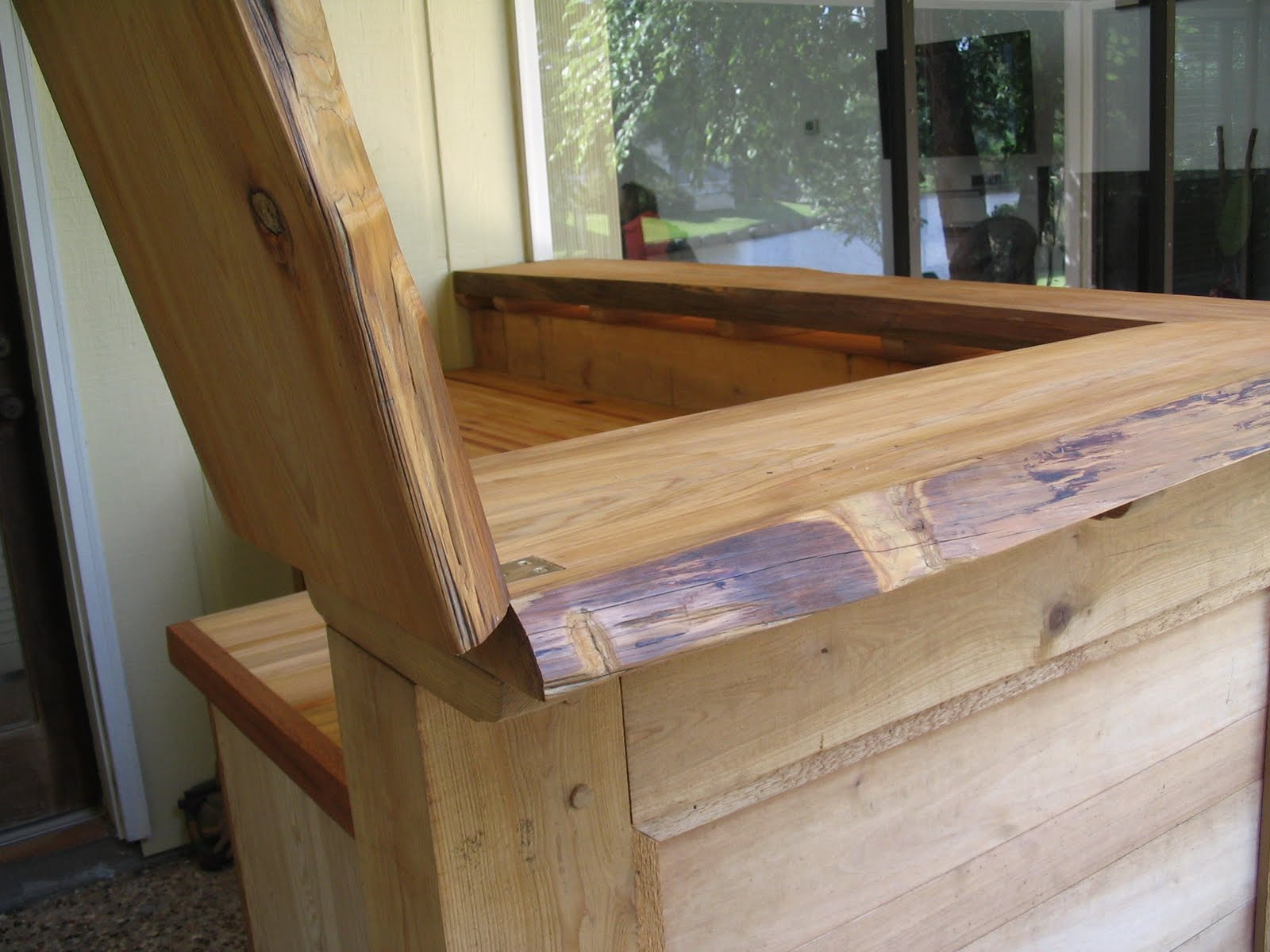 Charmant The Bar Top Includes The Largest Miter Joint I Have Done To Date And A Flip Up  Door With Inlaid Brass Hinges.