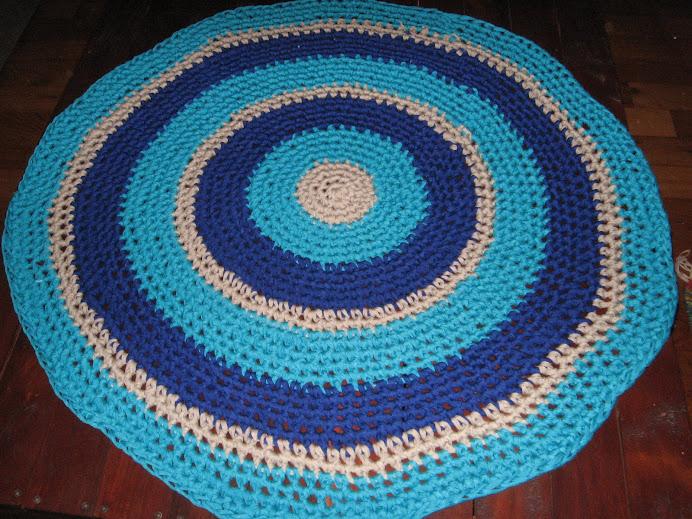 Alfombra turquesa y azul