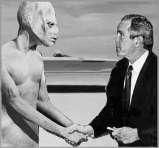 Bush Alien & Saucer