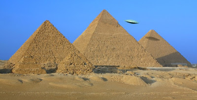 Flying Saucer Over The Pyramids