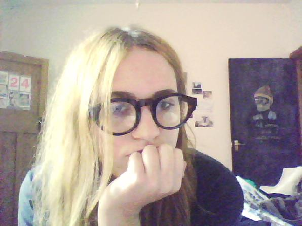 http://2.bp.blogspot.com/_PYqHLh0dSJ4/TAzRlFzDPeI/AAAAAAAAFcU/xscZzfMPBmE/s1600/glasses+part+two.jpg