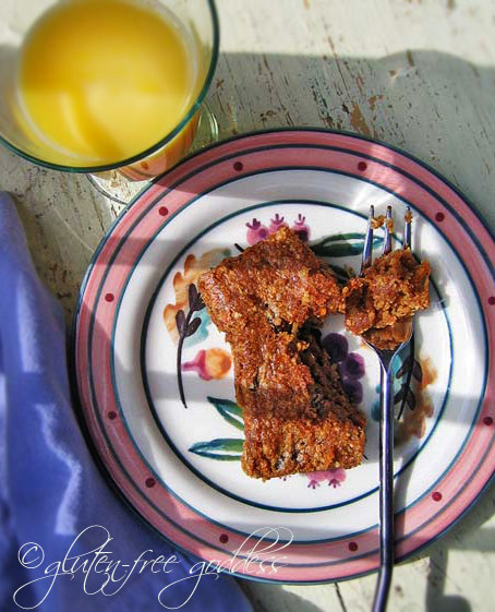 Gluten free quinoa breakfast cake recipe with carrots and raisins