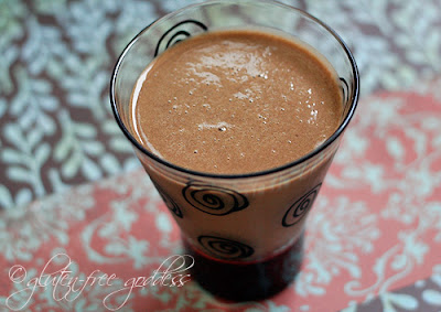 A smoothie made with carob powder looks like a chocolate smoothie