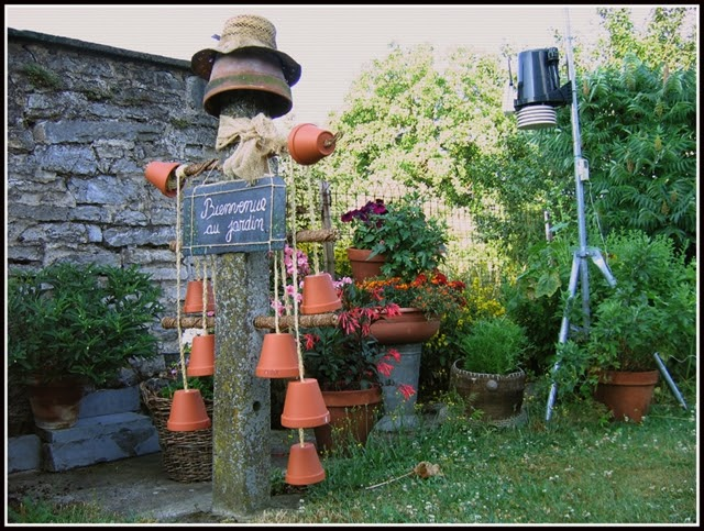 Fa si la d co totem au jardin for Piquet decoratif jardin