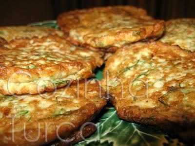 Pataniscas de Courgette (Kabak Mücver)