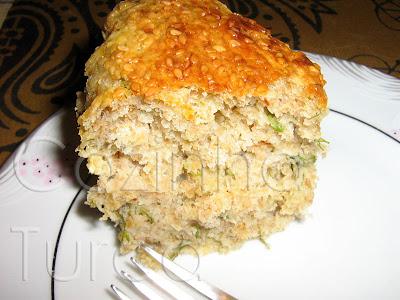 Cake de Kaşar e Ervas Frescas (Mayalı Börek)