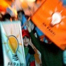 AKP de Erdoğan vence autárquicas mas perde terreno