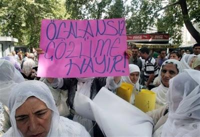 Protesto de mulheres curdas em Ancara