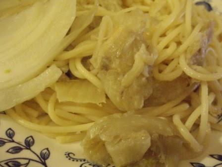 apprendre un autre alphabet alimentaire spaghetti au fenouil et aux anchois