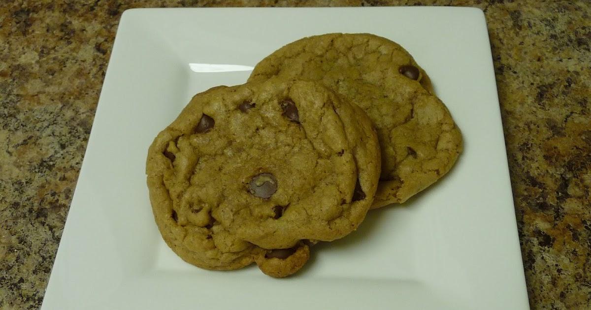 Real Men Bake: Simple Chocolate Chip Cookies