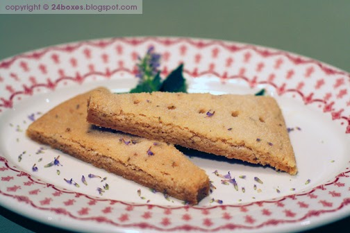 24 boxes: Buttery Shortbread with Anise Hyssop