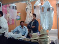 La exposición y venta de productos apícolas se hizo presente