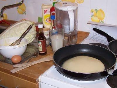 Kohl, Ei, Pfannkuchen, Worcestersauce, Majo, Ketschup - was das wohl wird?
