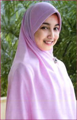 http://2.bp.blogspot.com/_PeZJkyNt2Tg/TEx7thKh_8I/AAAAAAAAABQ/6AQ0L82_XT4/s1600/cewek+muslimah.jpg