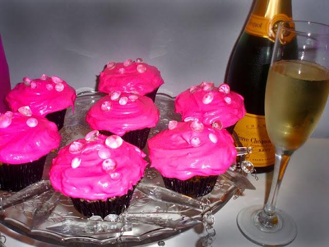 Blonde Lorelei coconut cupcakes recipe inspired by Marilyn Monroe