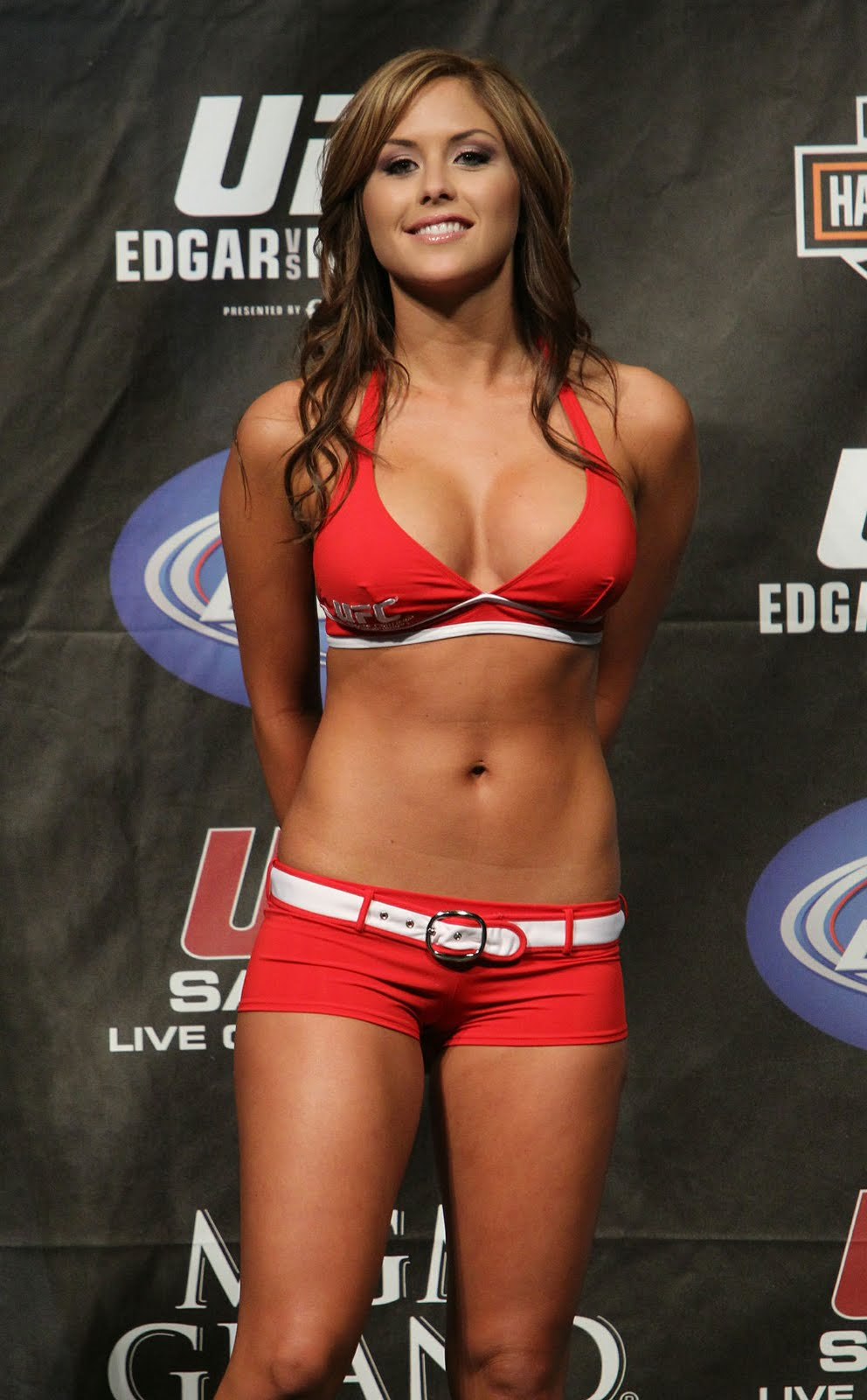 07_UFC125_Weigh-in.jpg