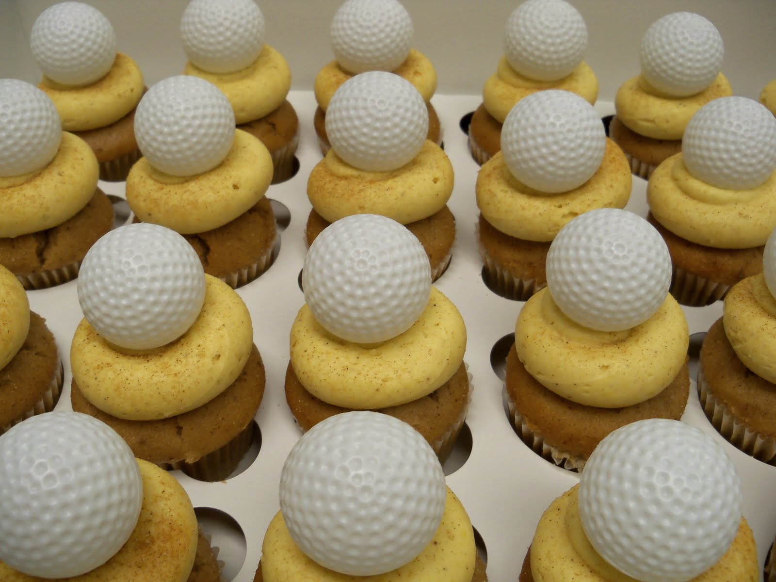 http://2.bp.blogspot.com/_PkJD_ncgzOs/TLw-FjrdblI/AAAAAAAACos/nT0CCgOB8JA/s1600/Golf+Ball+SAND+TRAP+cupcakes.JPG