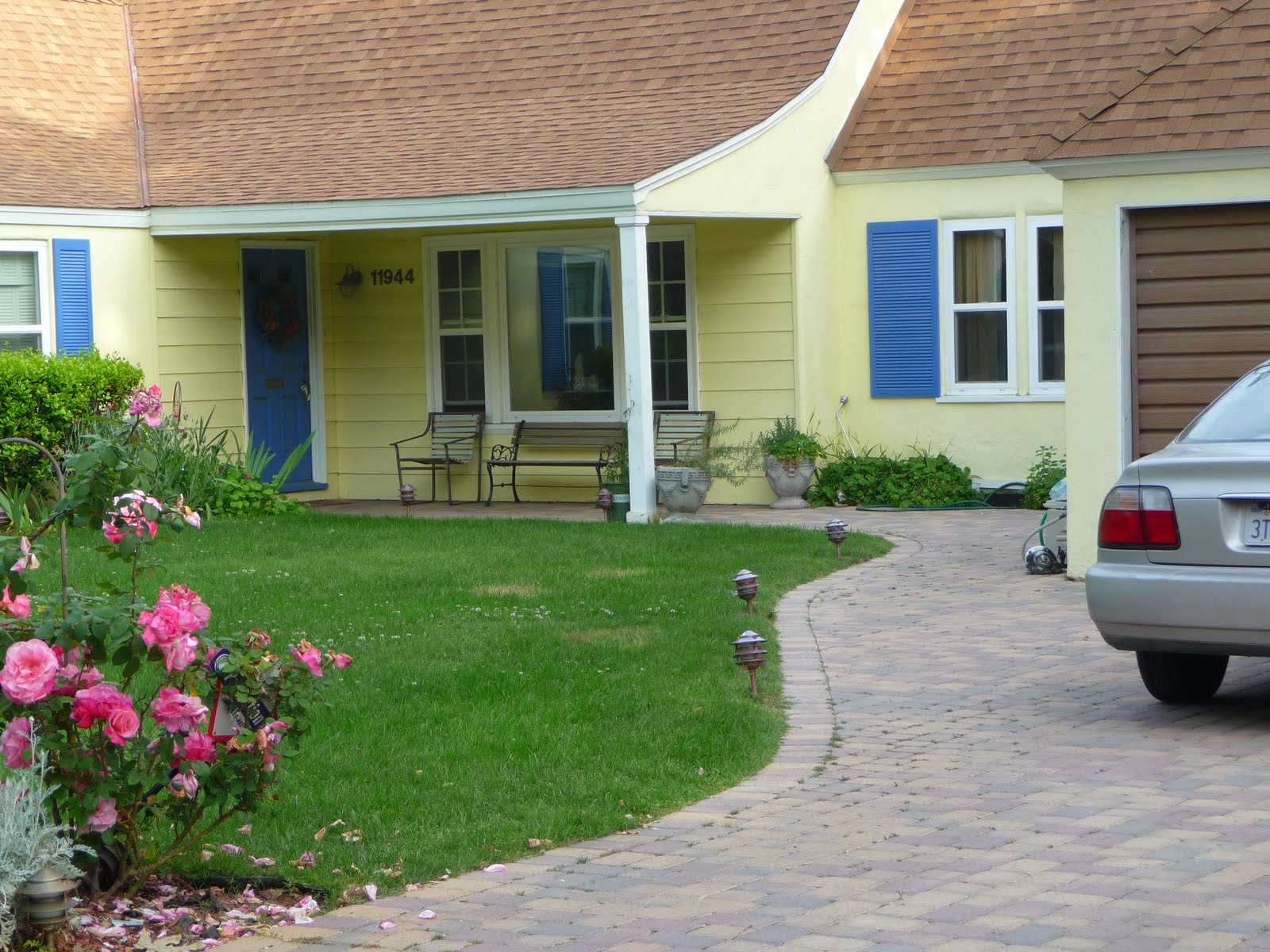 Teapots and Polka Dots: Houses in My Neighborhood: Color Schemes