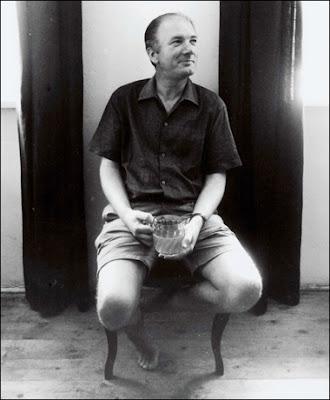 Thomas Bernhard having a pint