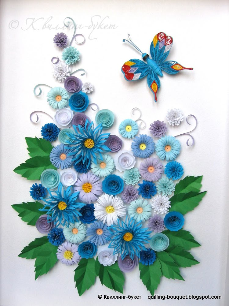 Букет в синих тонах и бабочка