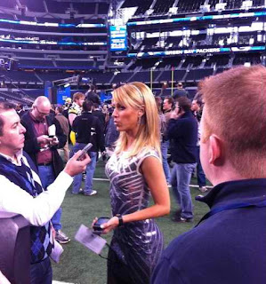 Super Bowl XVL Media Day Ines Sainz Tight Blue Dress Event