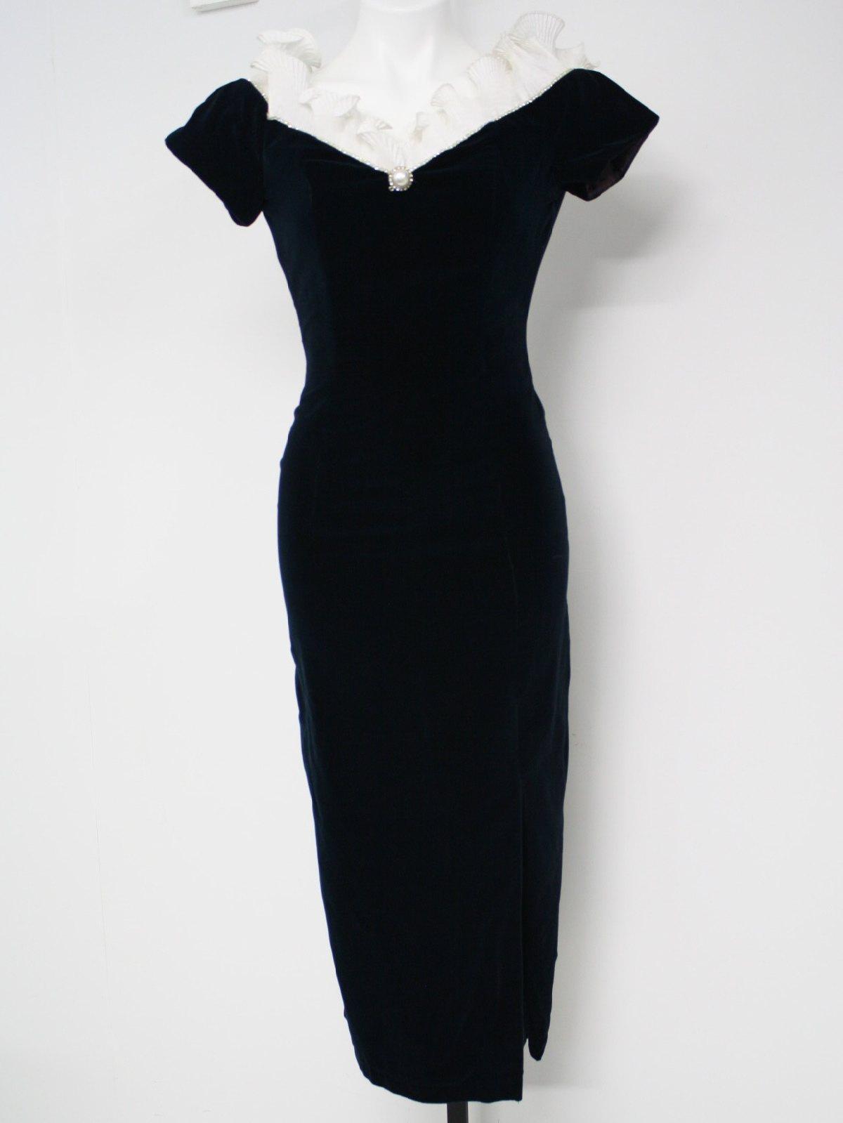 Vestido de mujer de terciopelo y vintage
