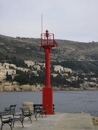 Feu de l'ancien port de Dubrovnik (Croatie)