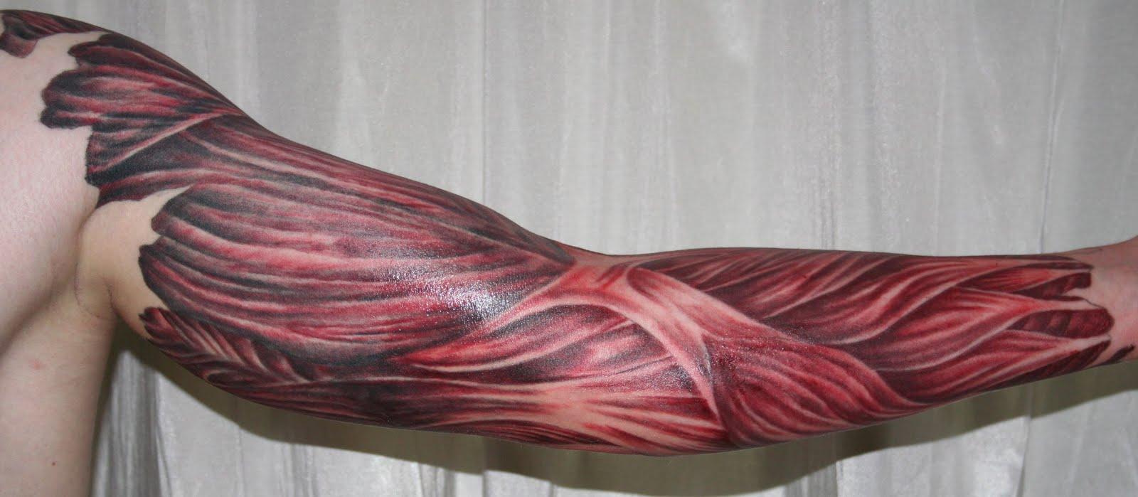 Некоторых такая татуировка может