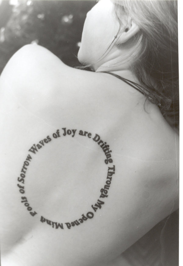 Татуировки с переводом лучшие эскизы (фото) - тату на ноге надписи фото