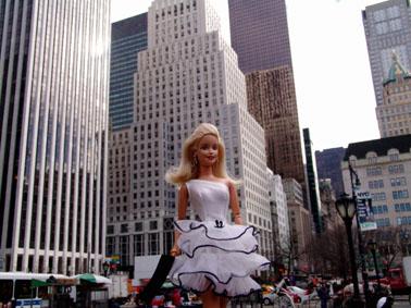 http://yonomeaburro.blogspot.com.es/2007/02/barbie.html