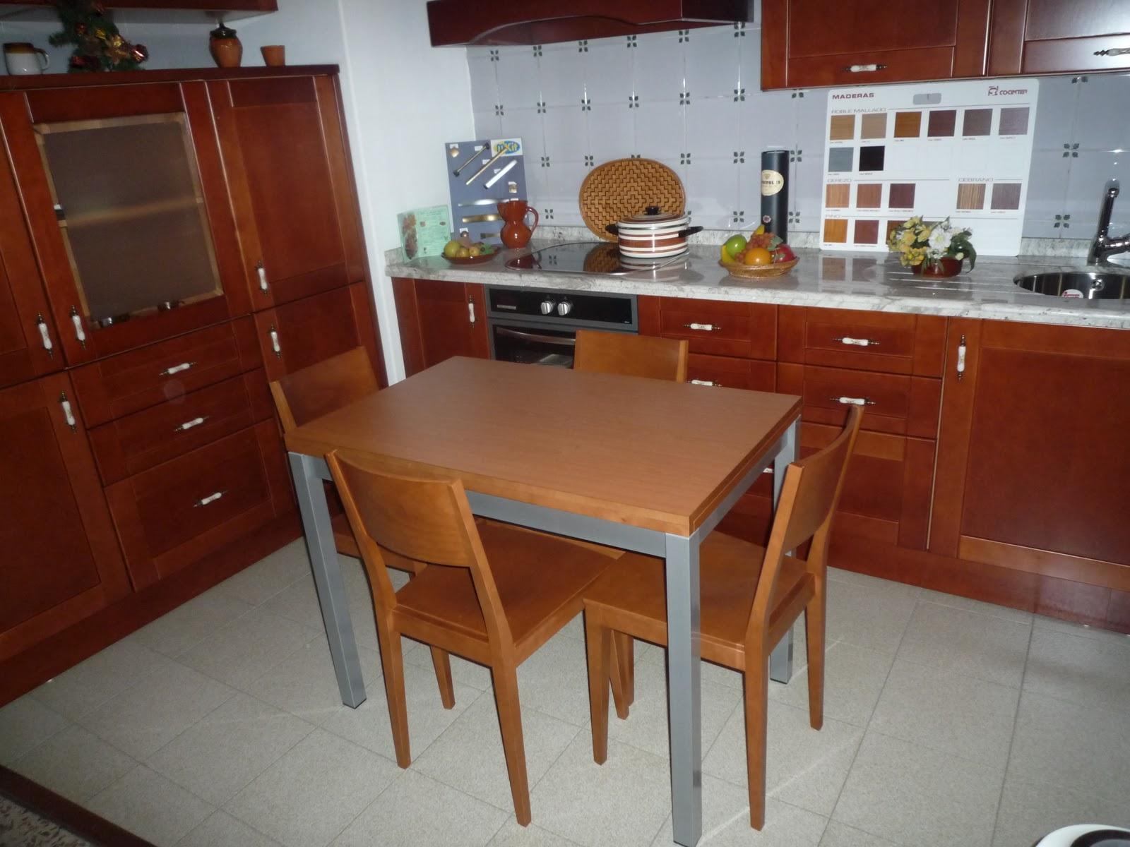 Los mejores muebles de cocina el almirez mesa de madera for Mesa cocina sevilla