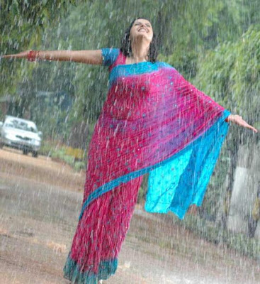 indian-desi-south-tamil-telugu-actress-soaked-rain-scene-wet-drenched-saree-exposing-revealing-sizzling-glamour