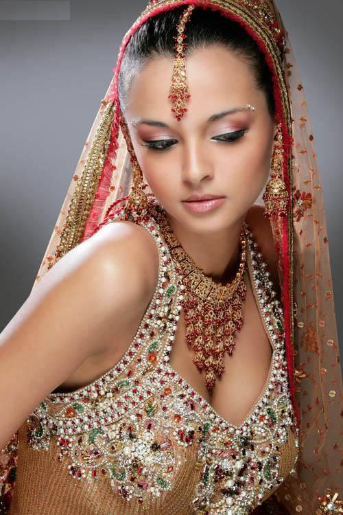 Roacalesvia South Indian Bridal Makeup