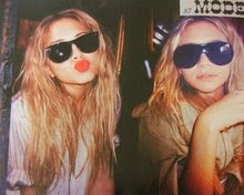 kiss..............