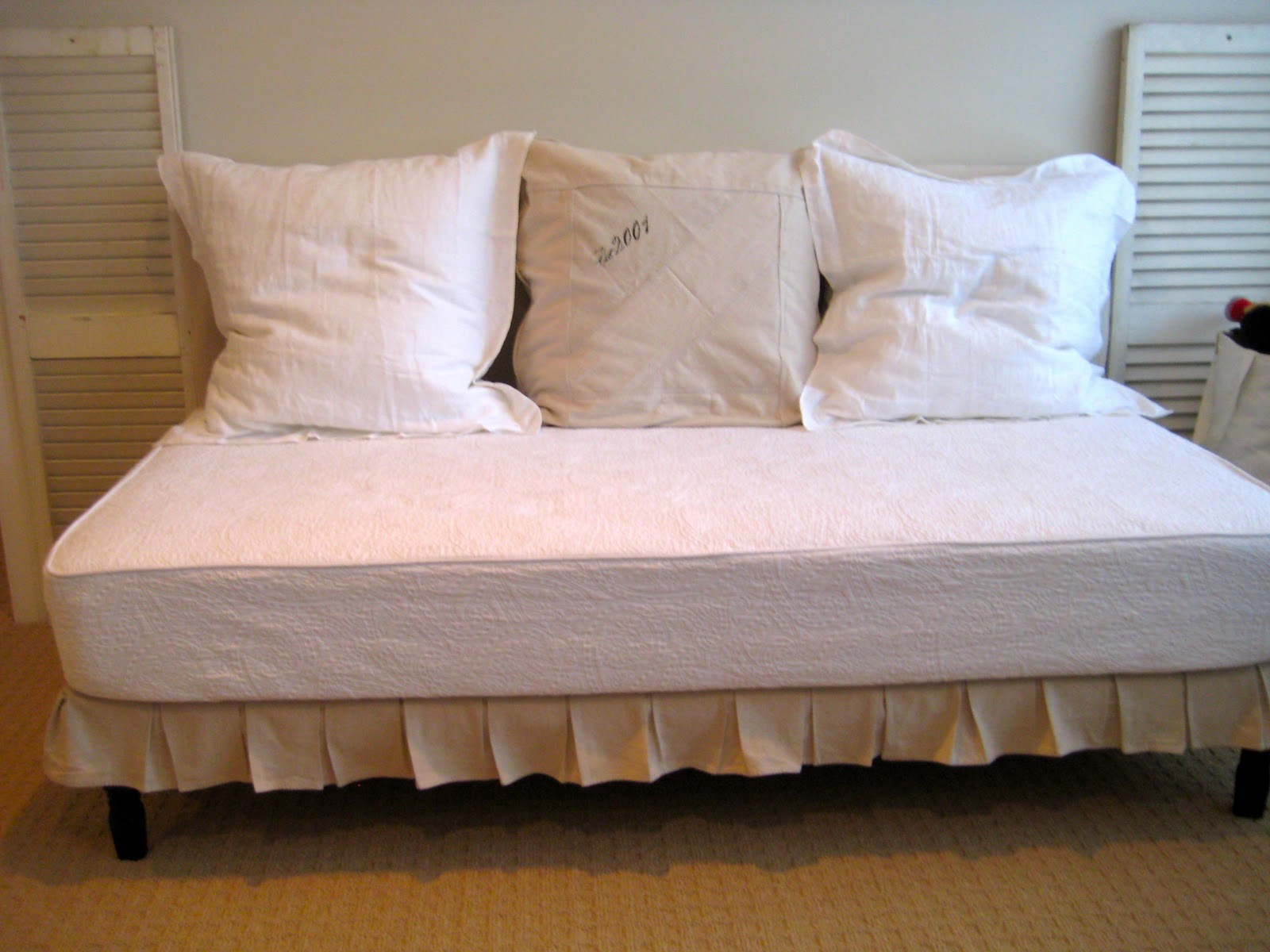 Deux Maison Twin Sized Upholstered Slip Covered Daybed Project Completed
